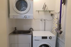 The Laundry of Mayfield Short Stay Apartments.