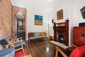 The lounge room at 9 Alfred Street Terrace