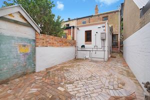 The rear courtyard at 9 Alfred Street Terrace